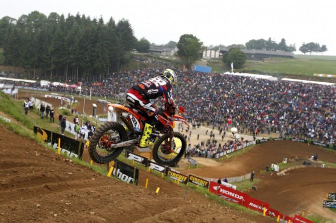 Tony Cairoli jumps the big hill at Ernee last week