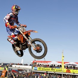 Dungey in flight for Tam USA