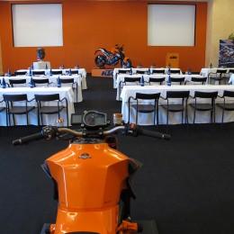 Konferenzraum, ready für die nächste Gruppe.