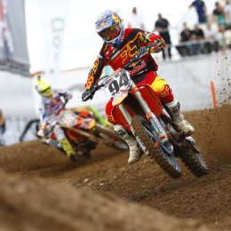 Roczen ahead of Cairoli