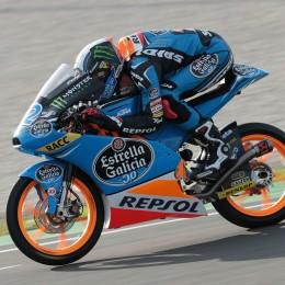 Rins quetscht die KTM aus. // Rins squeezes into the KTM