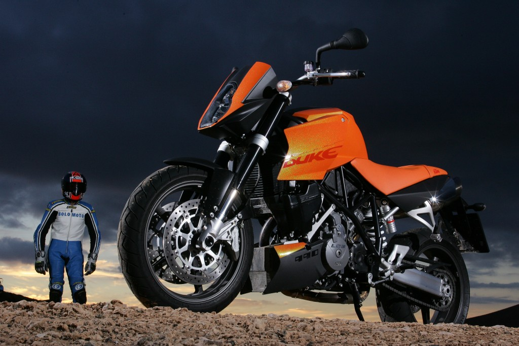 KTM SUPER DUKE MY05 (© KTM)