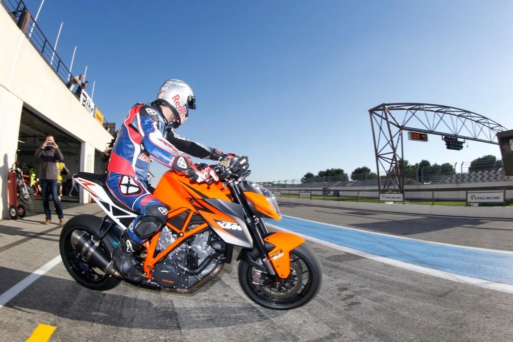 Sébastien Loeb KTM 1290 SUPER DUKE R Scorpion Masters 2013 (© Fabrice Iheritier)