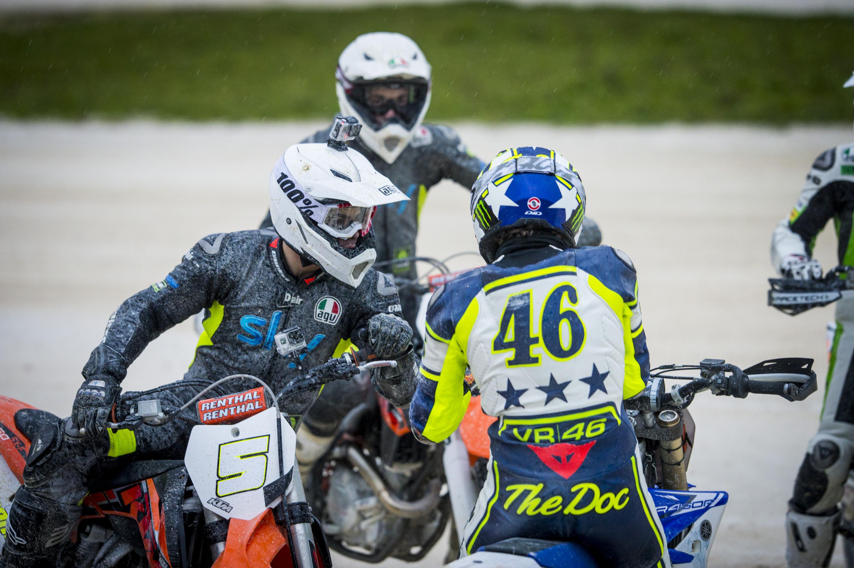 Valentino Rossi, Fenati & Bagnaia KTM SX-F @ Rossi Ranch © Milagro