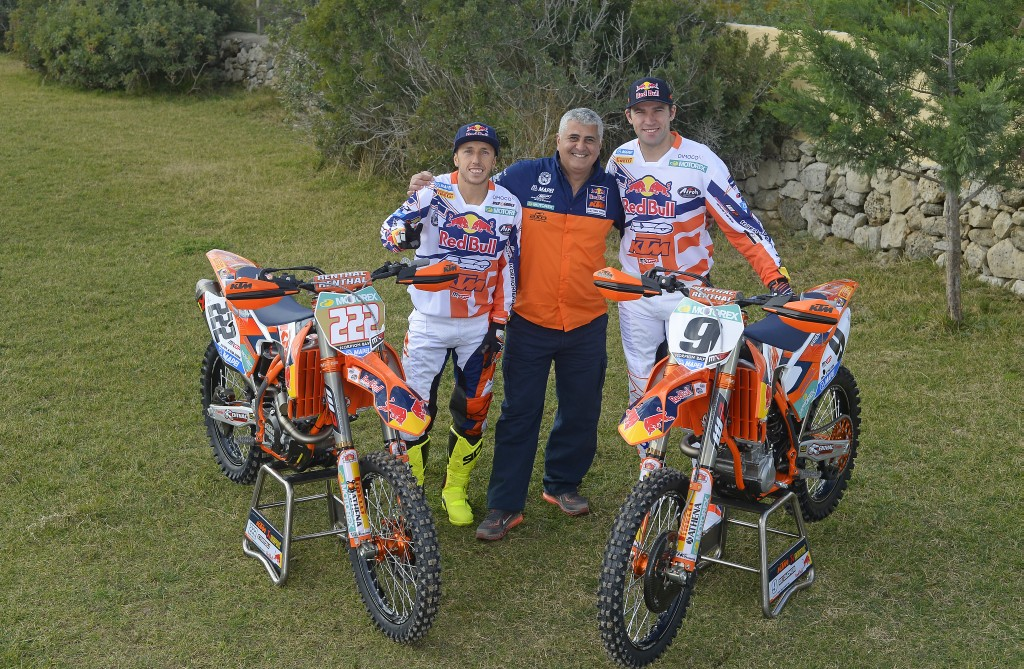 003_KTM_2014_MX1_team_group
