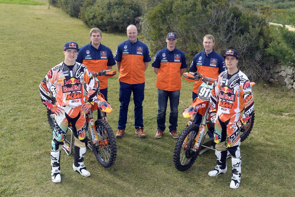 005_KTM_2014_MX2_team_group