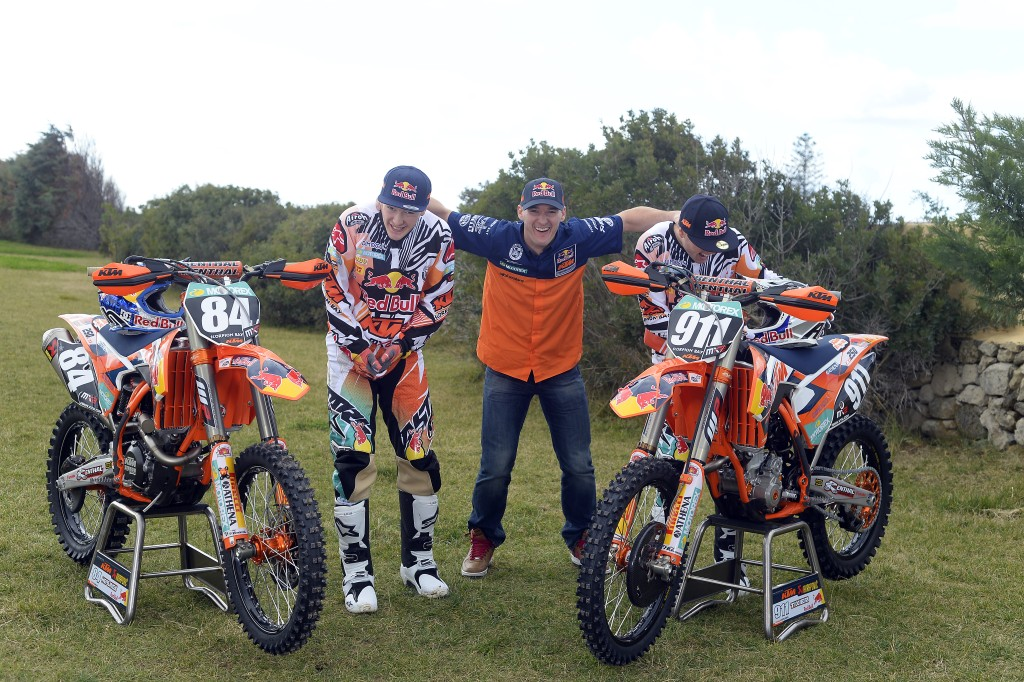 011_KTM_2014_MX2_team_group