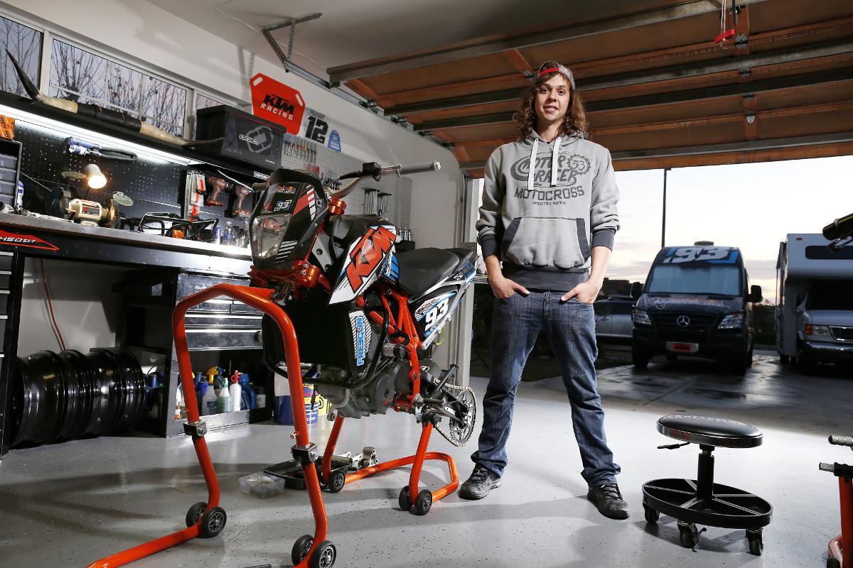 Der Alleskönner unter den Bikern: Stuntfahrer Aaron Colton - KTM BLOG