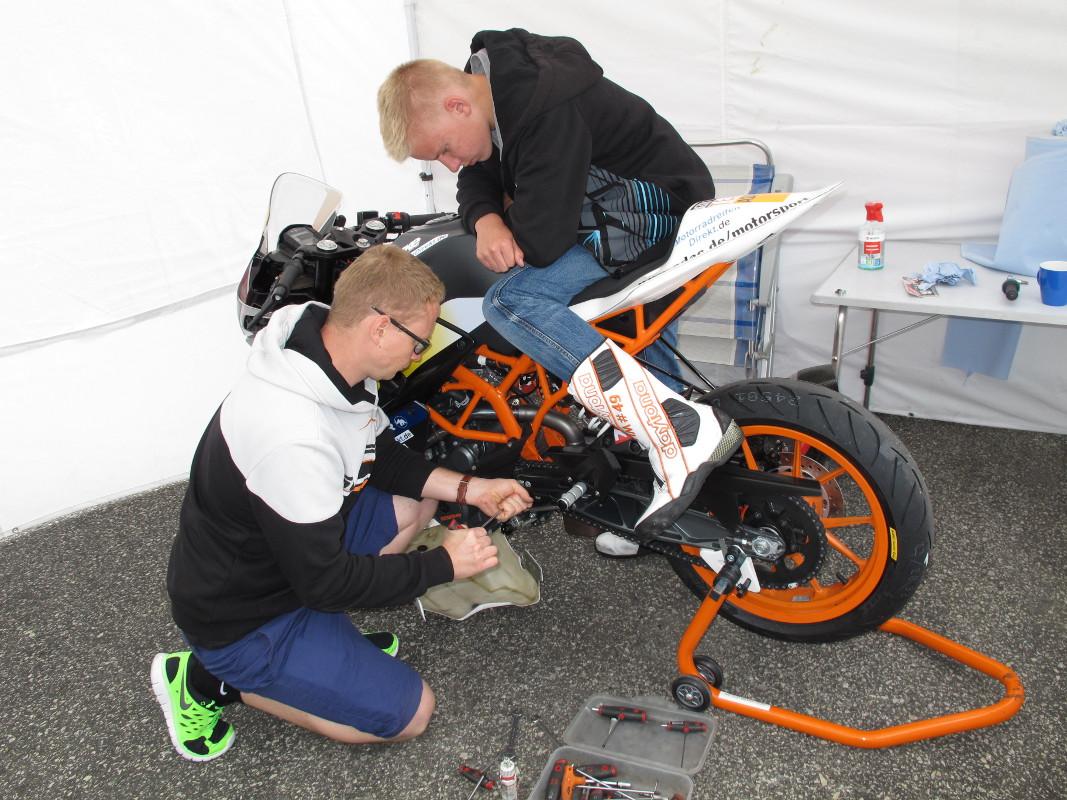 Tim Holtz & KTM RC 390 CUP