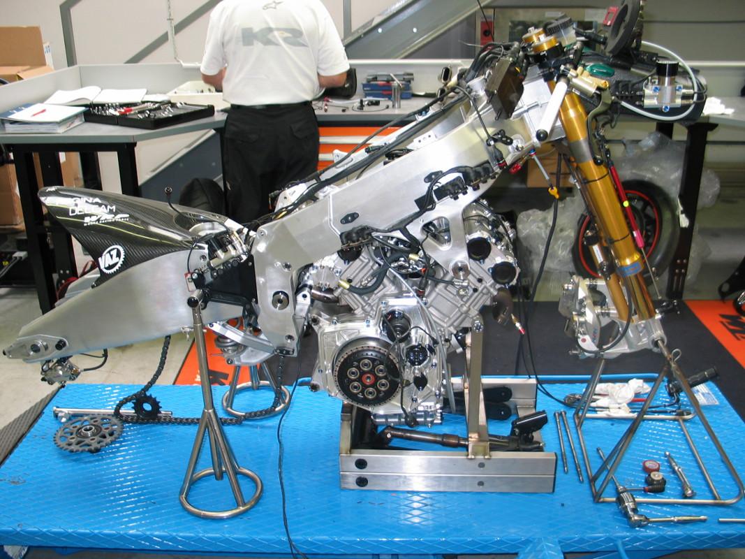 KTM GP1 V4 990 & Rolling Chassis 2004