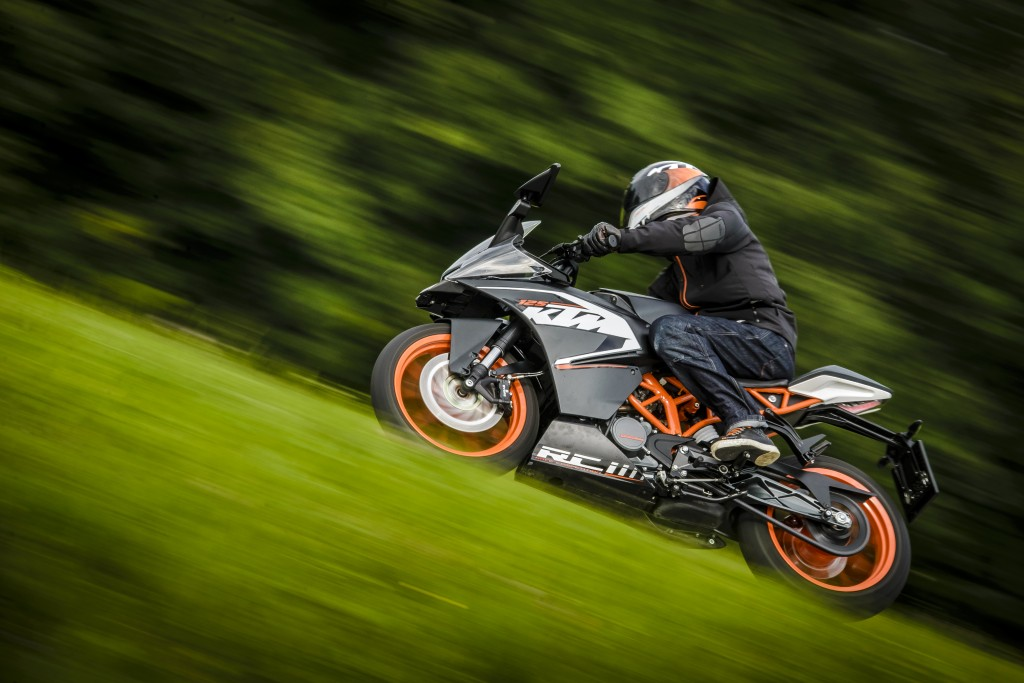 KTM RC 125 Country Road © Sebas Romero