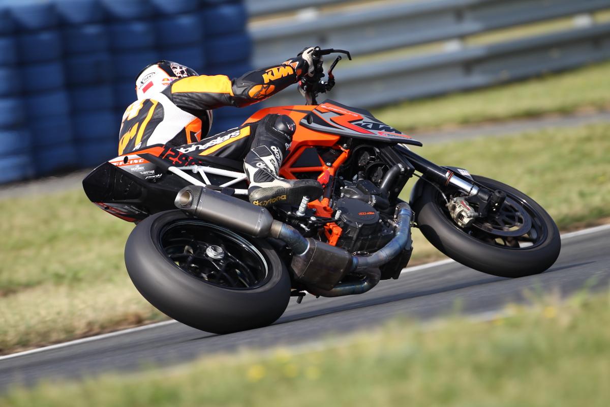 """Oliver """"Rakete"""" Schmidt KTM 1290 SUPER DUKE R Oschersleben © Buenos Dias"""