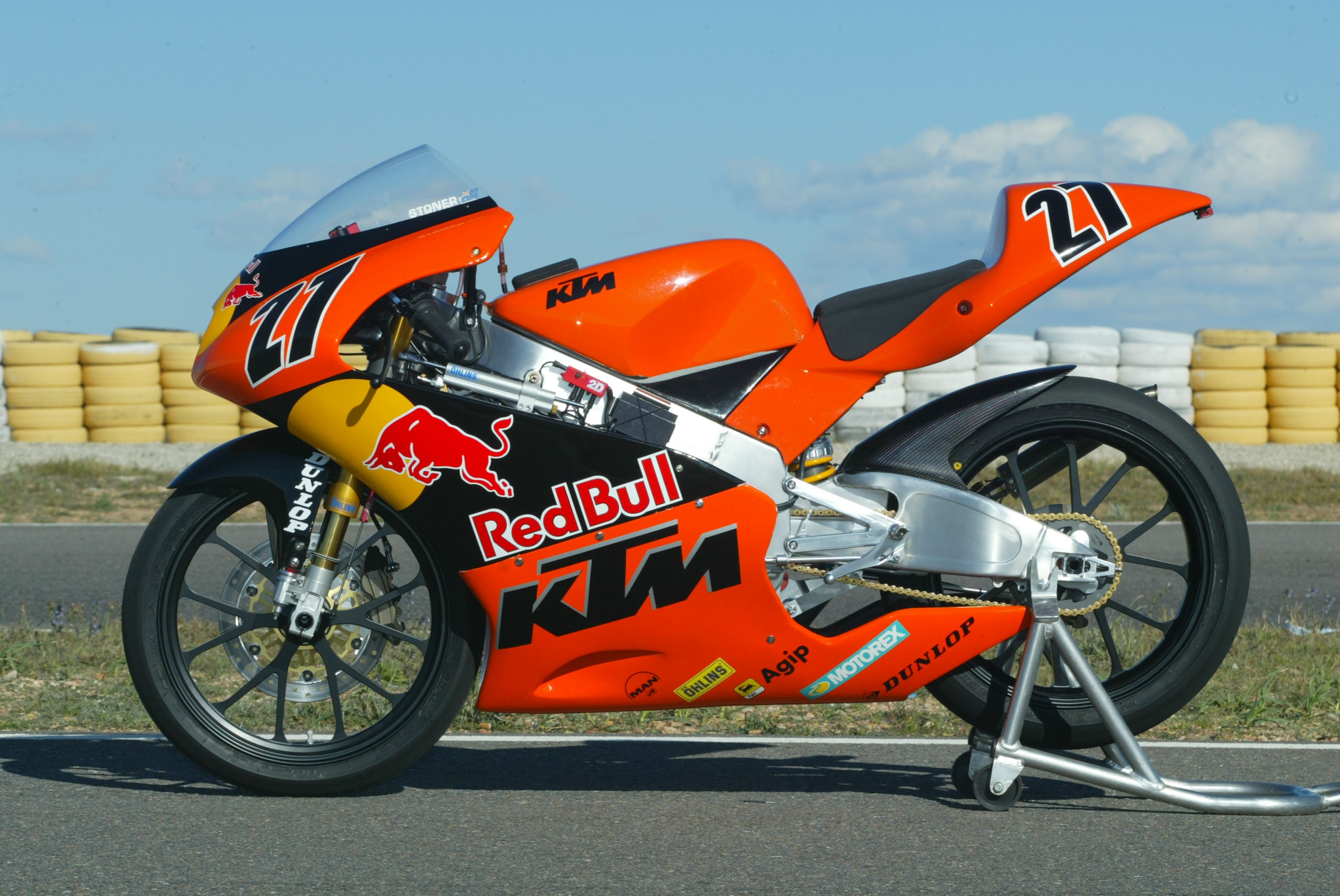 inthisyear2004 casey stoner wins first road racing grand. Black Bedroom Furniture Sets. Home Design Ideas