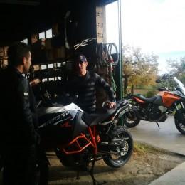 Konspirativ: Rally- und Flugweltmeister in der heimischen Coma-Werkstatt