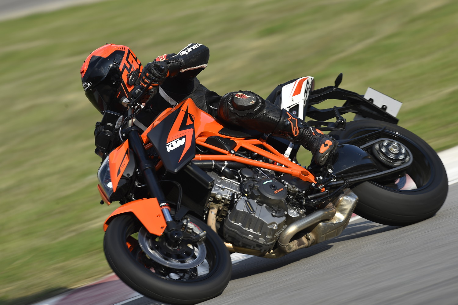 1290 Super Duke R Luke 1