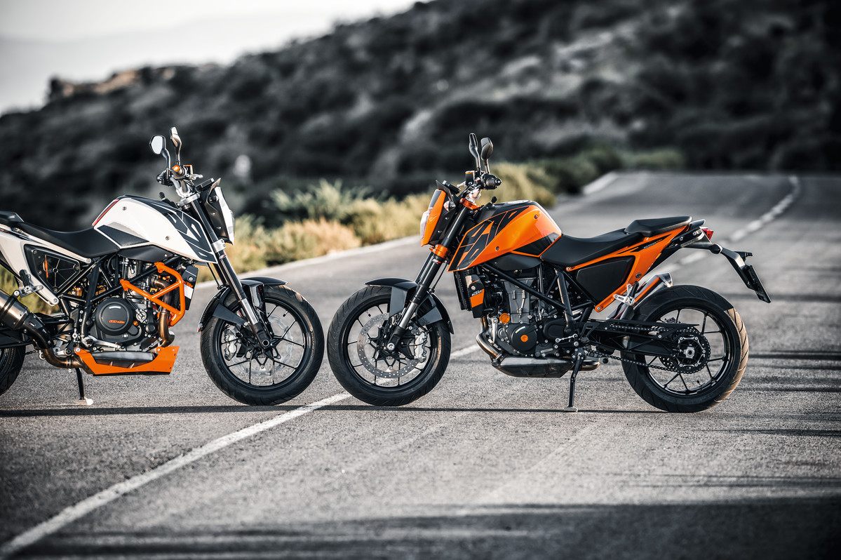 versetzt berge ktm 690 duke mj2016 im test das urteil ktm blog. Black Bedroom Furniture Sets. Home Design Ideas