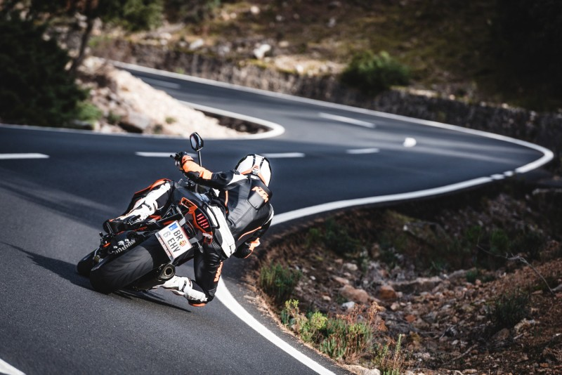 KTM 1290 SUPER DUKE GT MY2016