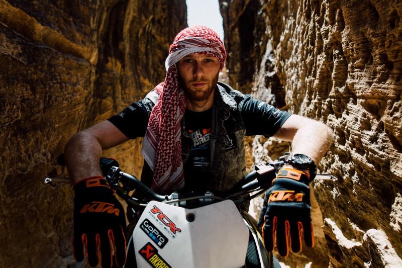 Rok Bagoros with Jordanian Hatta on his head