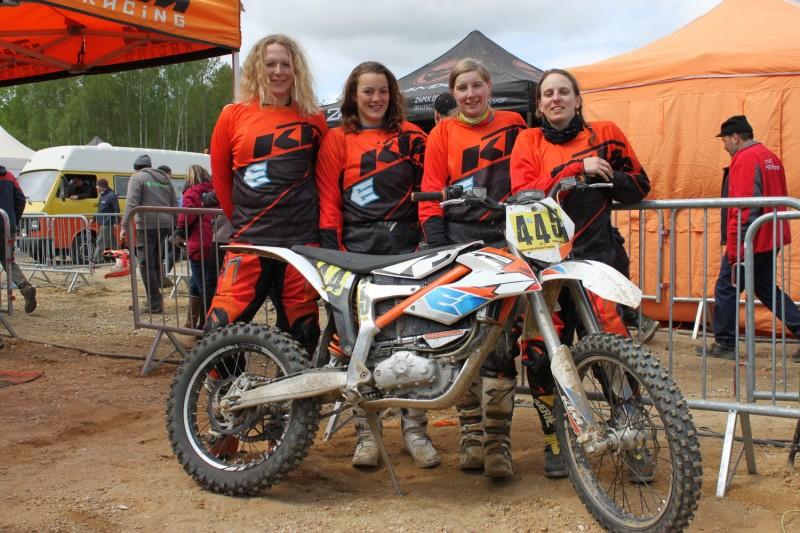 KTM-VollstromMädels Nina Deitermann, Lena Schneider, Nina Buchholz & Eva Reiter Langensteinbach 2016