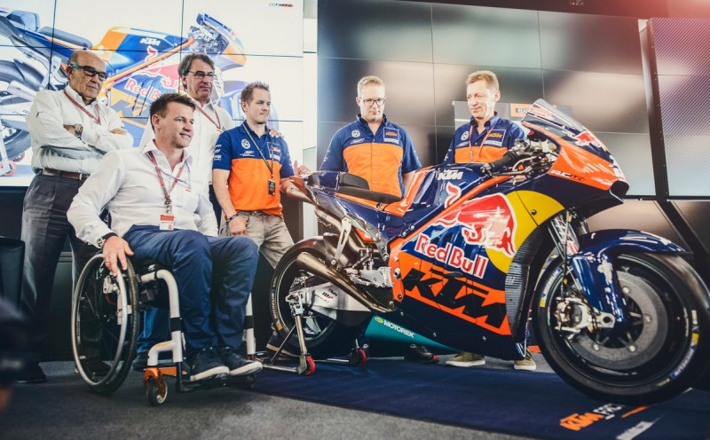 Carmelo Ezpeleta, Pit Beirer, Stefan Pierer, Mika Kallio, Sebastian Risse, Mike Leitner KTM RC16 Red Bull Ring Spielberg (AUT) 2016