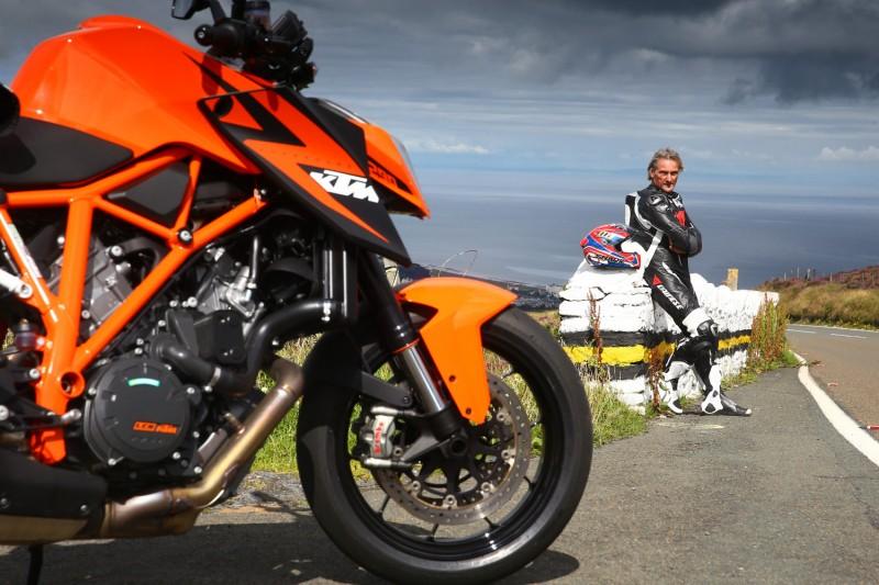 KTM 1290 SUPER DUKE R & Carl Fogarty
