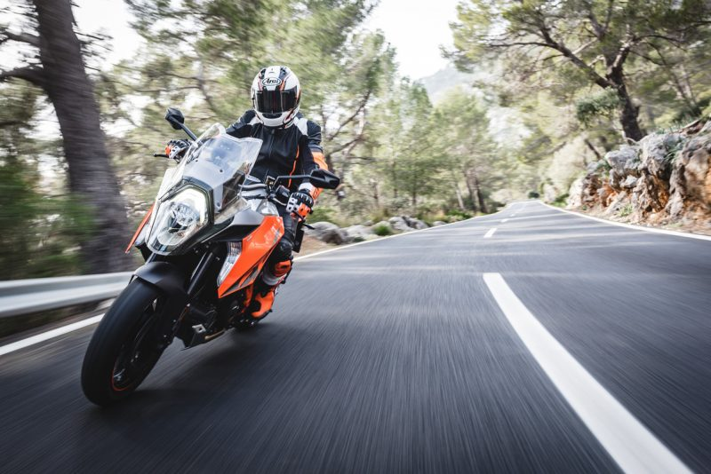 KTM 1290 SUPER DUKE GT MJ2016