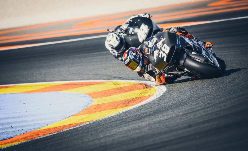 Bradley Smith (GBR, #38) & Pol Espargaró (ESP, #44) KTM RC16 Valencia (ESP) 2016