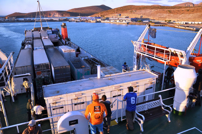 Fähre von der Halbinsel Baja California nach Mazatlán   Ferry from the Baja California Peninsula to Mazatlán