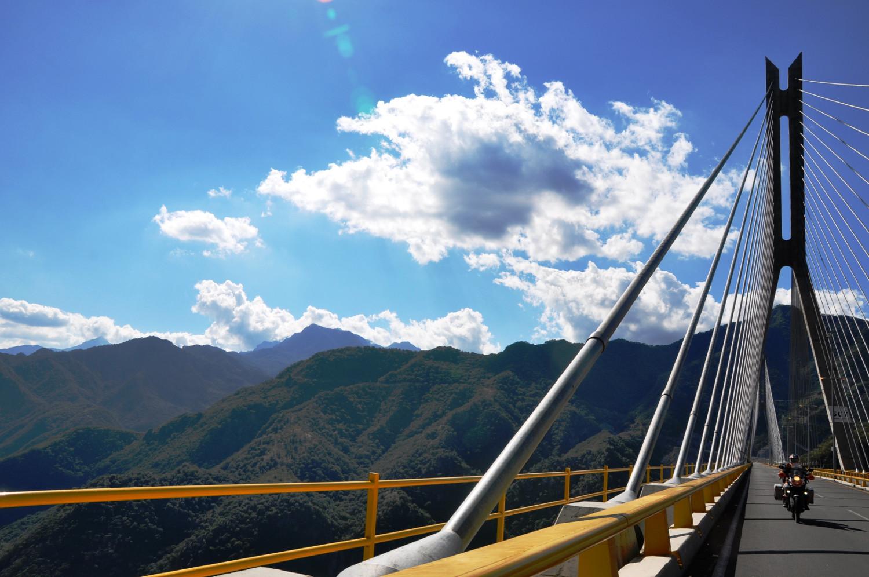Sierra Madre Occidental auf dem Weg nach Durango   Sierra Madre Occidental mountains on the way to Durango