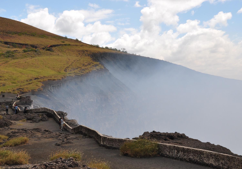 Der rauchende Vulkan de Masaya im Zentrum Nicaraguas | The smoking Masaya volcano in central Nicaragua