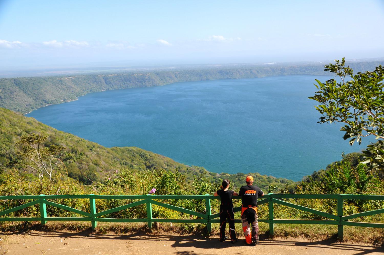 Der Kratersee Laguna de Apoyo in Nicaragua | The crater lake Laguna de Apoyo in Nicaragua