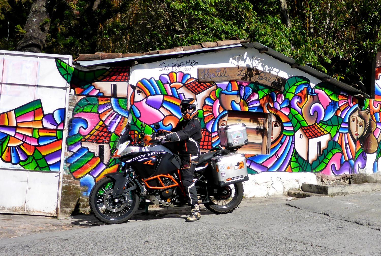 Bunte Unterkunft   Colorful accommodation