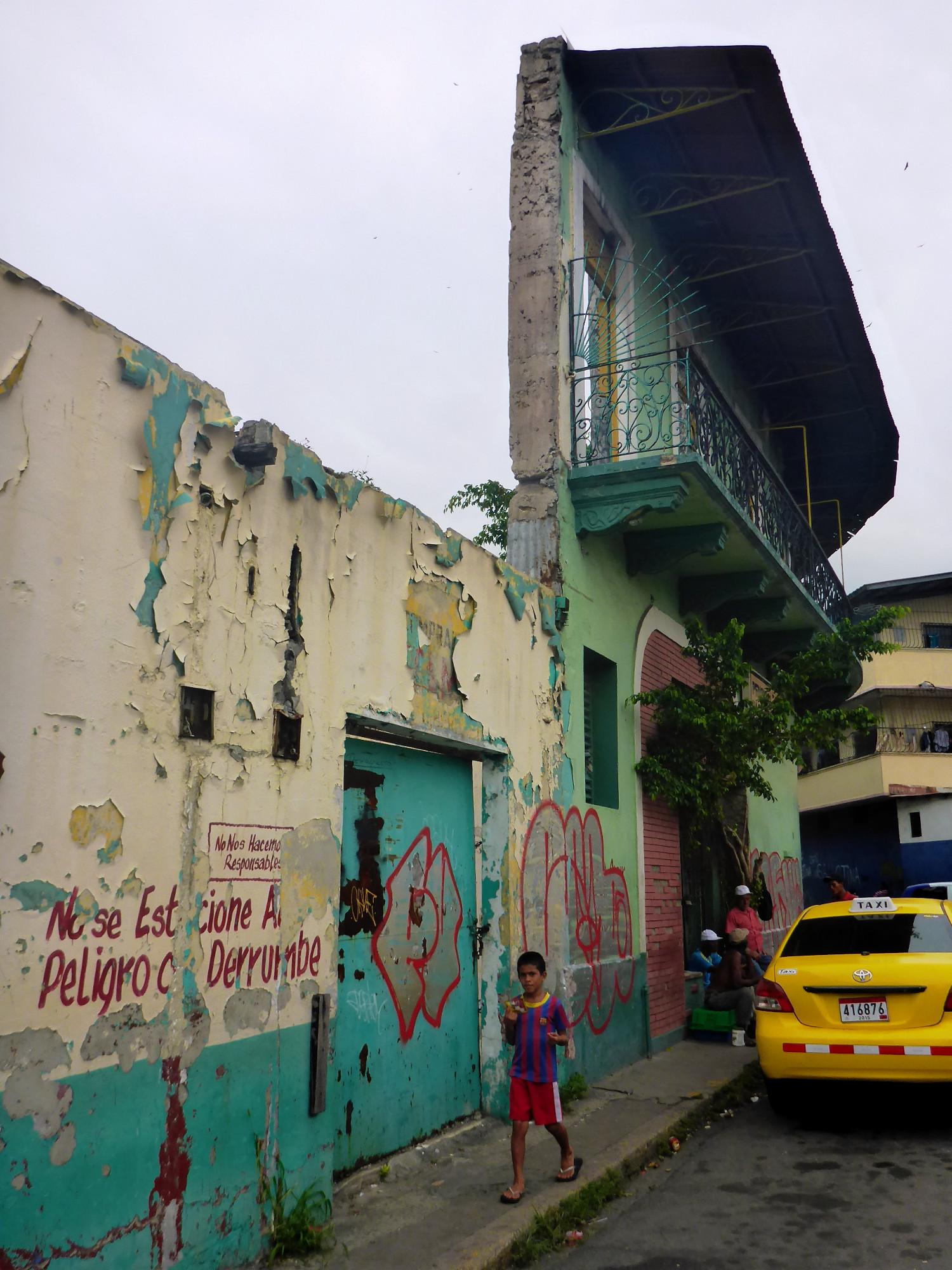 Fassade im Casco Viejo, der Altstadt von Panama City   Façade in Casco Viejo, the historical center of Panama City