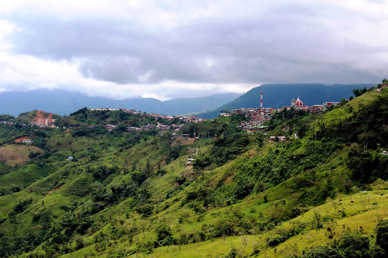150 Kilometer vor bis Medellín | 150 kilometers to go to Medellin