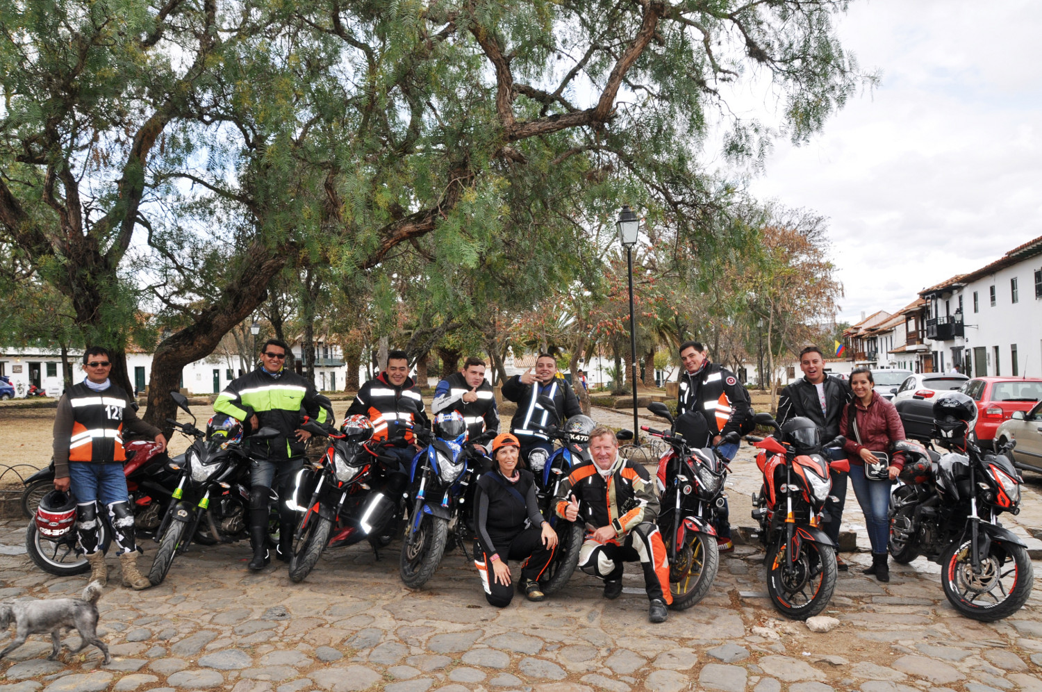 Allgemeine Motorradbegeisterung: Bajaj Riders Club | Widespread excitement about motorcycles: Bajaj Riders Club
