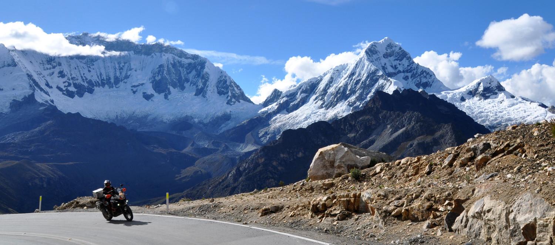 Vor dem höchsten Gipfel Perus: der Huascarán mit 6.768 Metern   In front of the highest peak in Peru: Huascarán at 6,768 meters