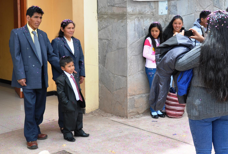 Tauffeier: Julio Cesar junior und seine stolzen Eltern   Baptism ceremony: Julio Cesar junior and his proud parents