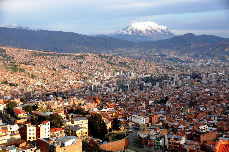 La Paz: höchstgelegene Hauptstadt Lateinamerikas   La Paz: the highest capital in Latin America