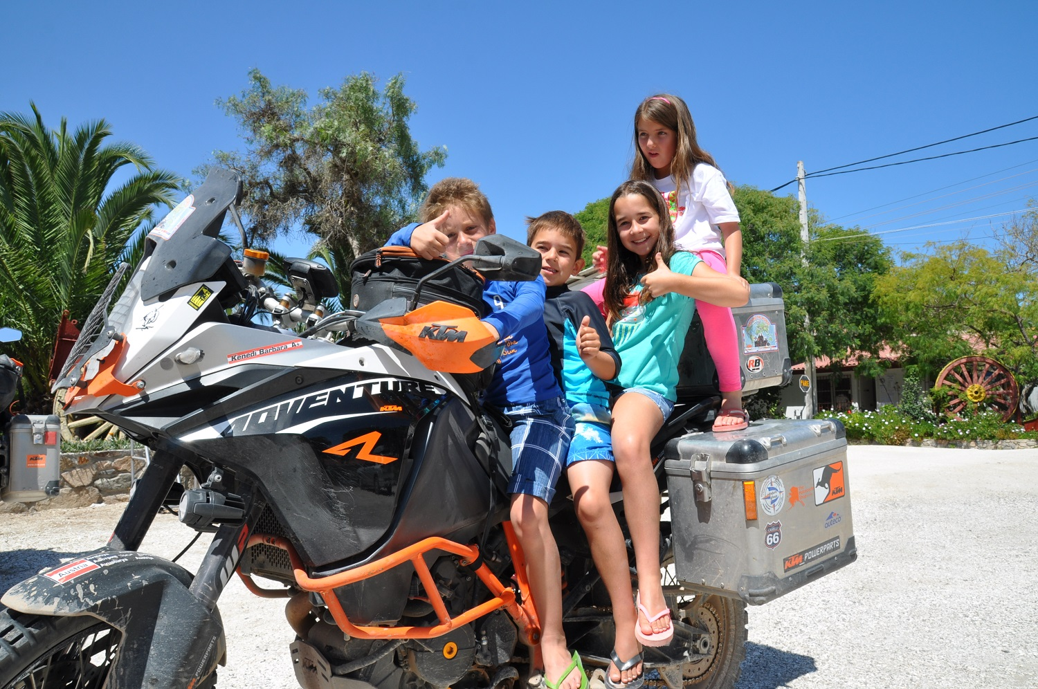Chilenische Kids finden unsere ADVENTUREs total cool! | Chilean kids think our ADVENTUREs are awesome!