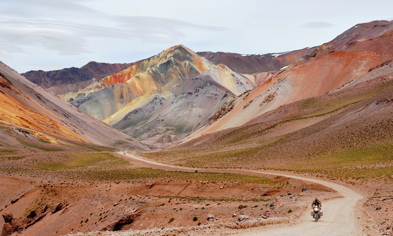 Phantastische Bergkulisse auf der Ruta 41 Richtung La Serena | Stunning mountain backdrop on Ruta 41 towards La Serena