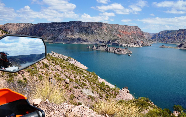 Blick auf den Stausee El Nihuil bei San Rafael | View across the El Nihuil reservoir near San Rafael