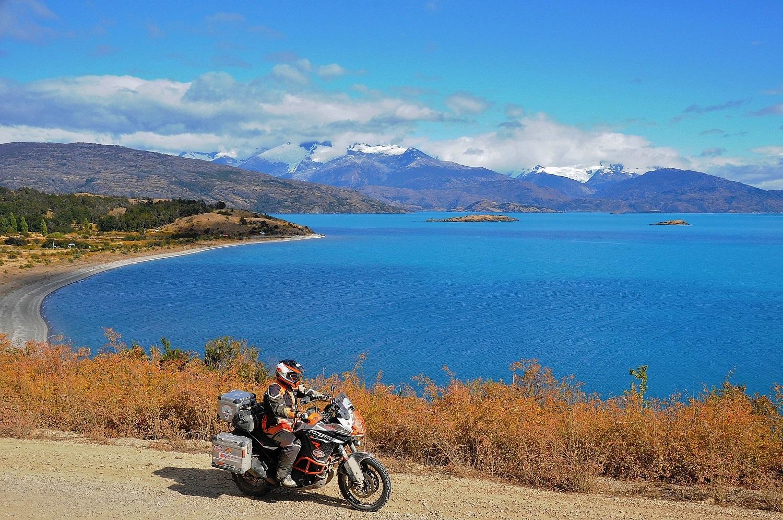 Wir fahren rund um den Lago General Carrera | We ride around Lago General Carrera