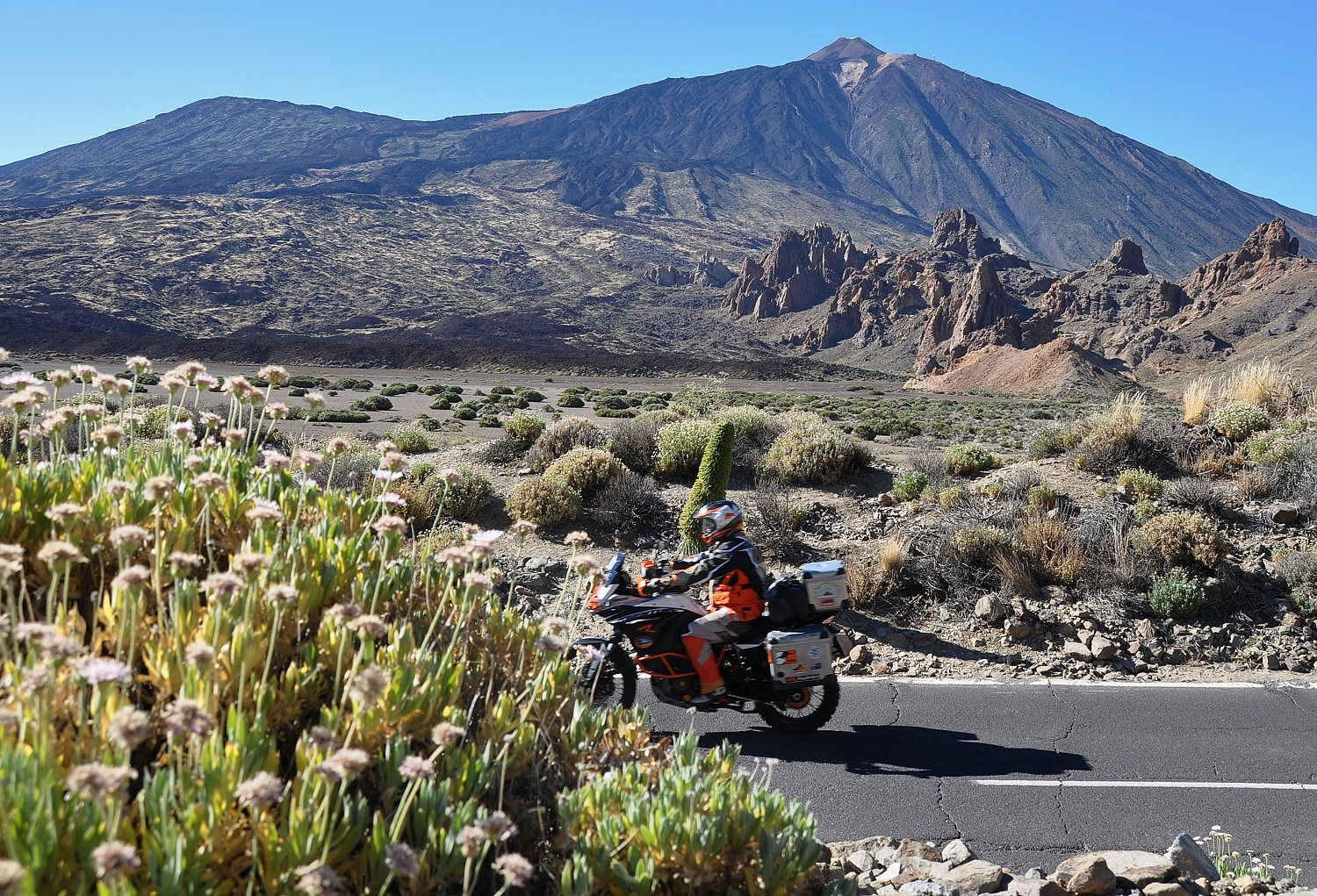 Nochmals der Vulkan Teide, andere Perspektive   The Teide volcano from another perspective