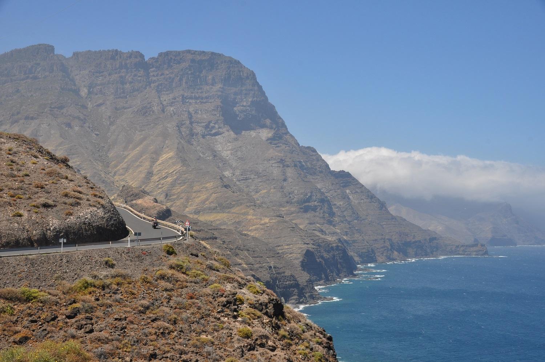 Gran Canaria empfängt uns mit einer gigantischen Steilküste | Gran Canaria's gigantic cliffs welcome us