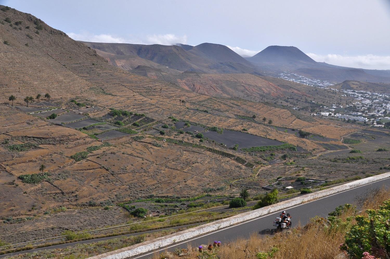 Lanzarote ist die Schwarze unter den Kanaren | Lanzarote is the black canary