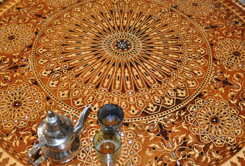 "Minztee heißt: ""Willkommen in Marokko!"" | Mint tea means ""Welcome to Morocco!"""