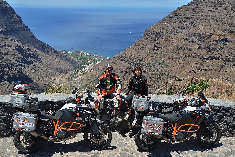 """La Gomera: Blick ins Tal """"Valle Gran Rey""""   La Gomera: view of the """"Valle Gran Rey"""" valley"""