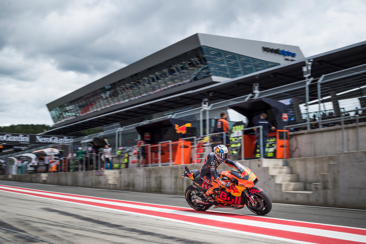 198349_Pol Espargaro KTM RC16 Pit Lane Red Bull Ring Spielberg 2017