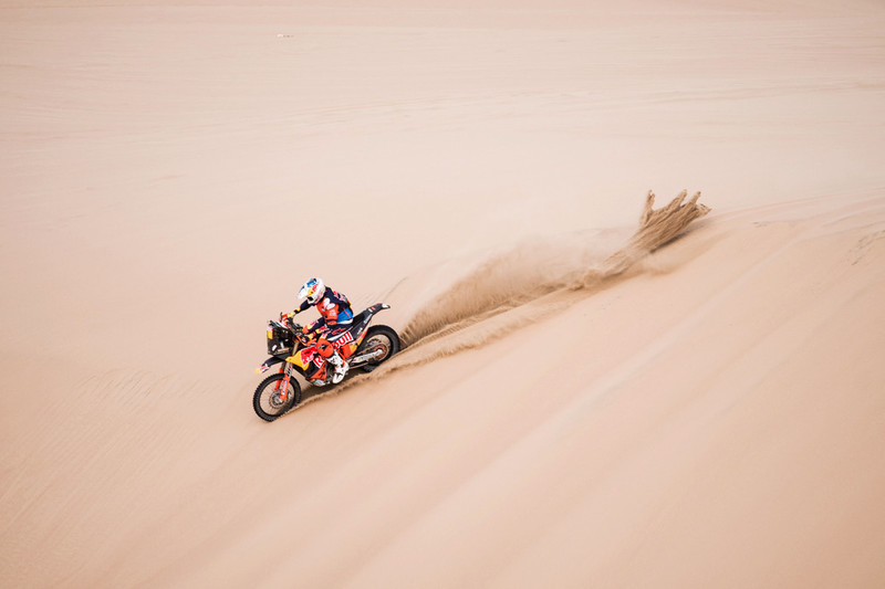 217696_Sam.Sunderland_Red Bull KTM Factory Racing_Dakar2018_133