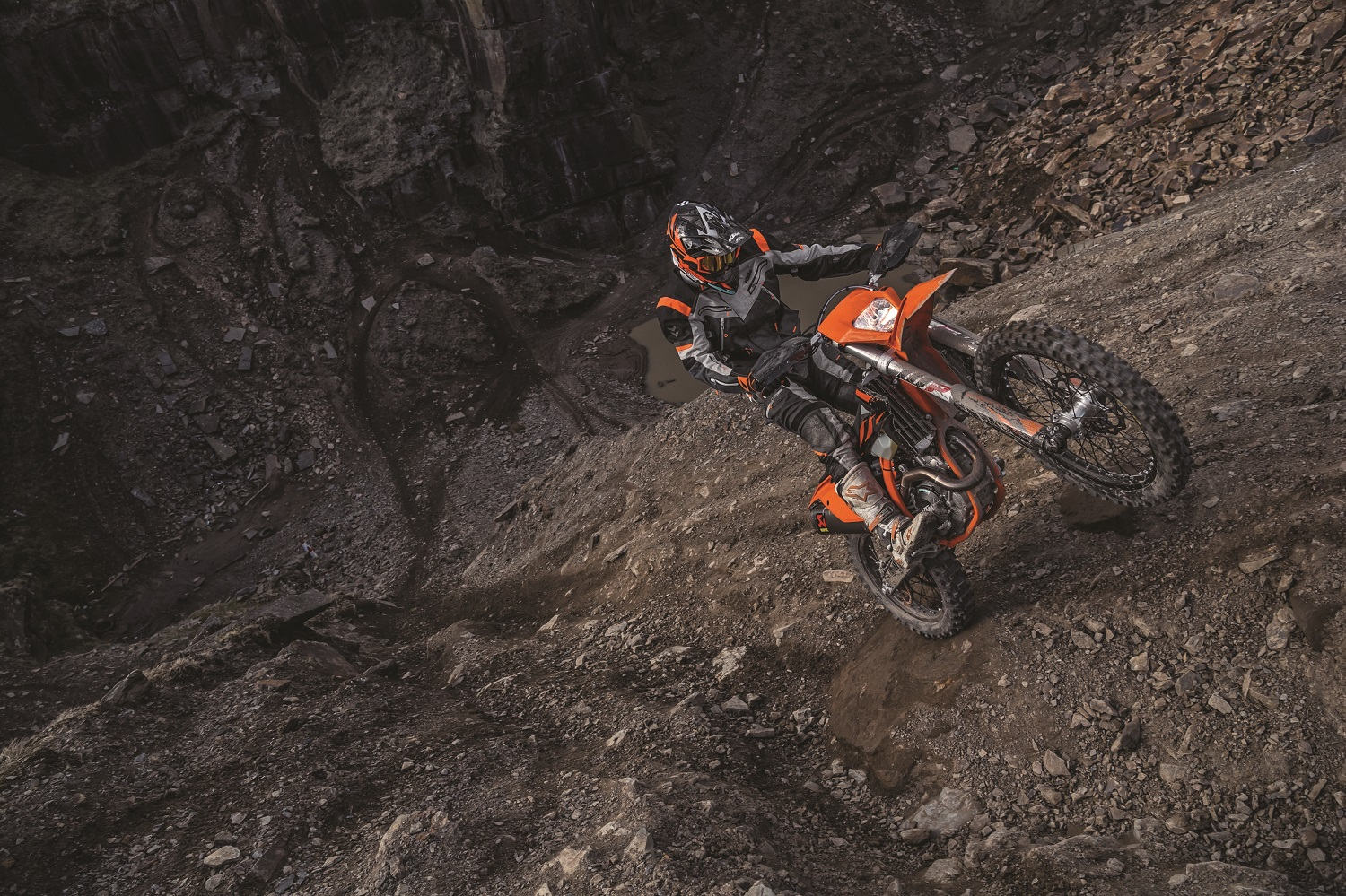 01_Action_KTM 500 EXC-F MY2019